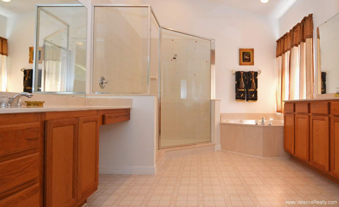 20-DSC_8965-Master Bath